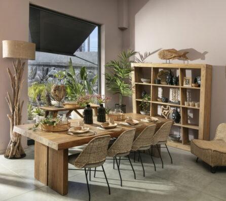 שולחן אוכל בסגנון כפרי