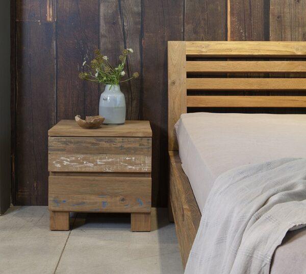 שידת צד מיטה מעץ