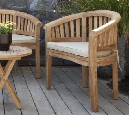 כיסא גינה מעץ מלא עם ריפוד