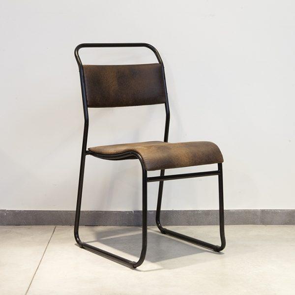 כסא אוכל מברזל