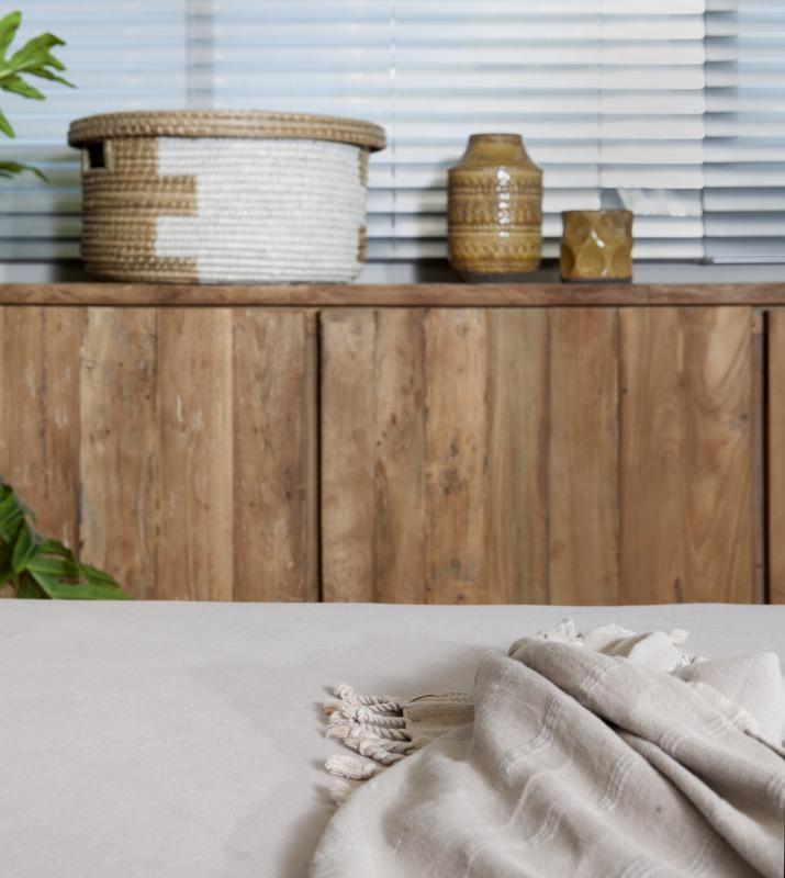שידת דלתות מעץ מלא לחדר השינה
