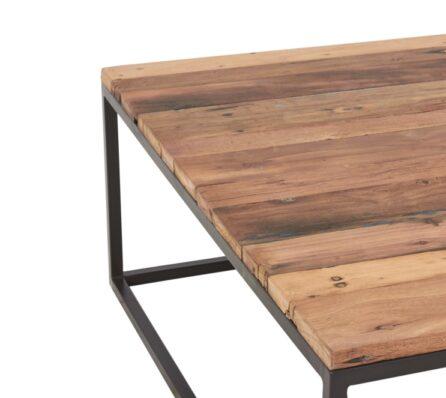 שולחן קפה מרובע עם מסגרת ברזל