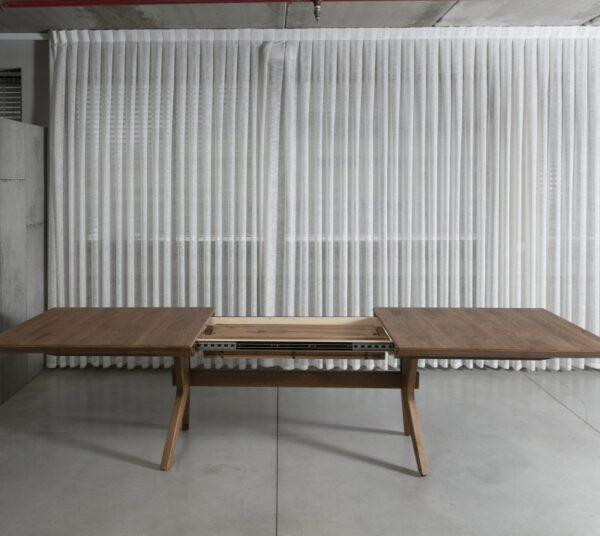 שולחן נפתח עם הרחבות