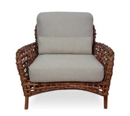 כורסא מרופדת גב ראטן