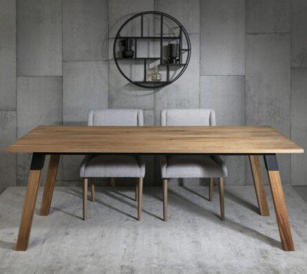 שולחן אוכל עץ מלא