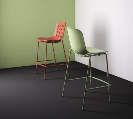 כיסא בר עם ידיות